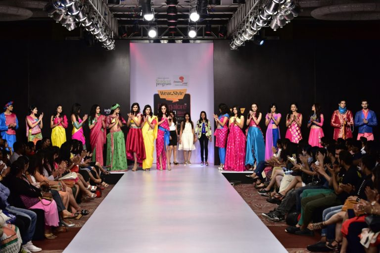 Read more about the article Be a part of fashion industry with best fashion designing Institute