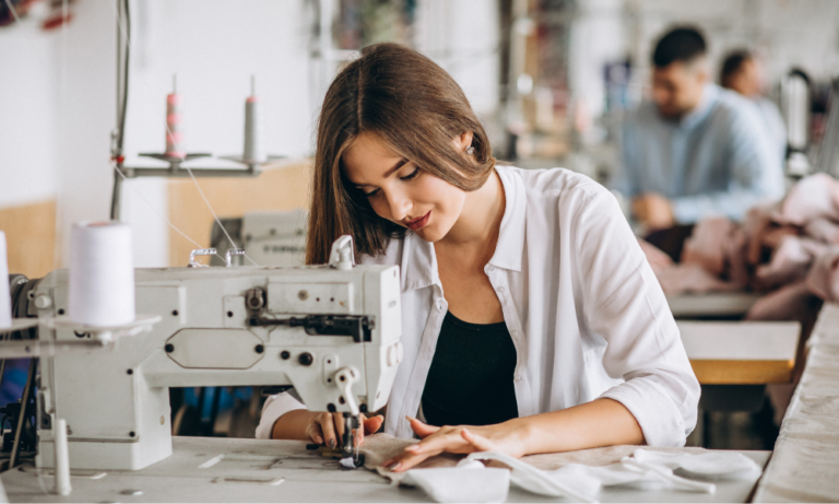 Read more about the article Learn Every Possible Aspect of Fashion Designing with DreamZone